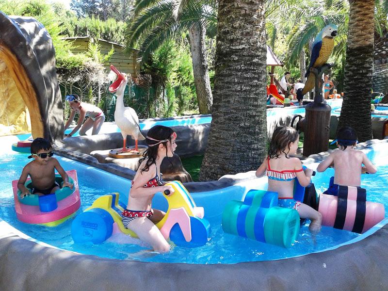 Disfruta de la piscina blog campings tarragona - Camping con piscina climatizada en tarragona ...
