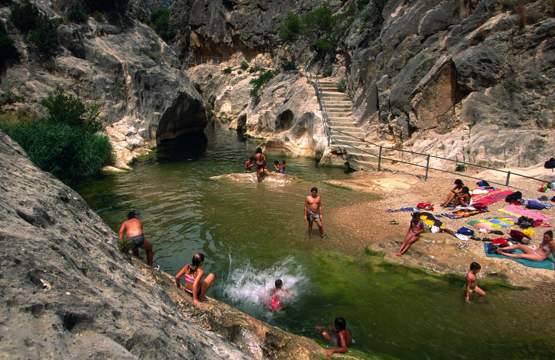 Refrescate En Las Piscinas Naturales De La Zona Campings Tarragona Y Descubre Un Entorno Sorprendente Campings Tarragona
